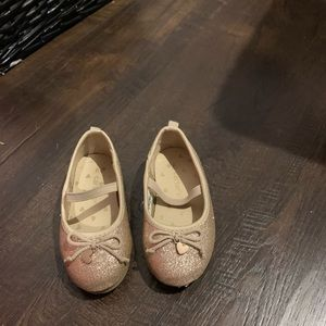 Gold dress shoes, good condition